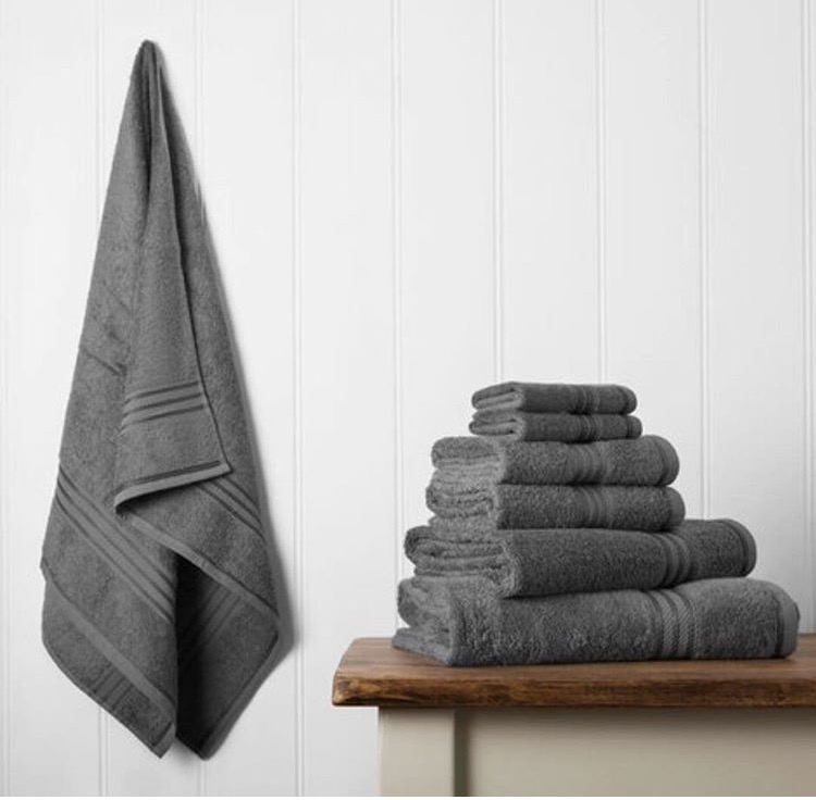 how to keep your towels soft and fluffy for longer queen of clean. Black Bedroom Furniture Sets. Home Design Ideas